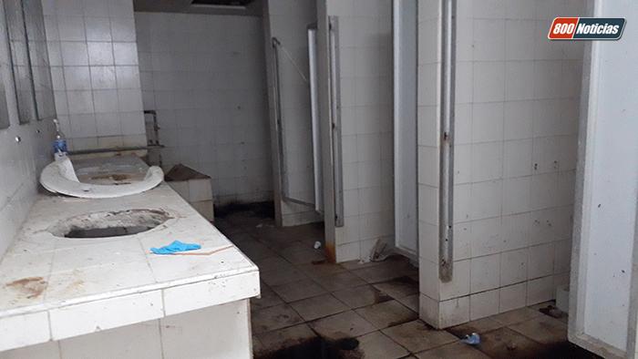 sotano, baños, hospital clínico universitario, hcu
