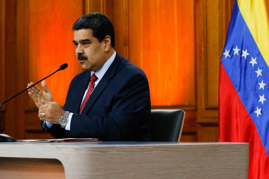 Maduro de lado