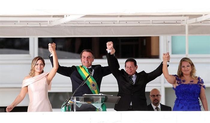 jair bolsonaro, recibe banda presidencial (6)