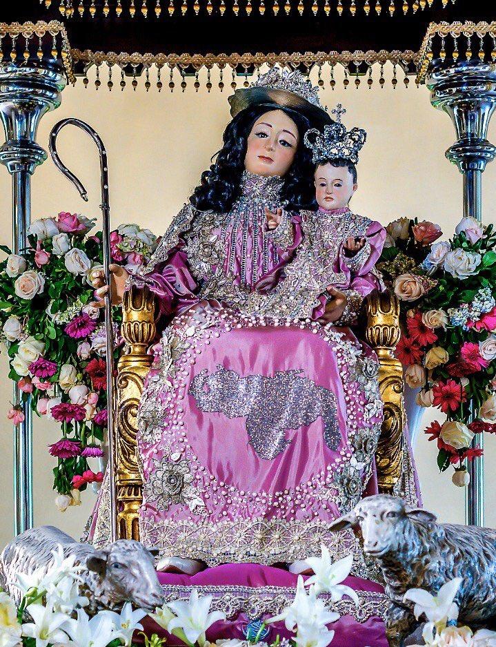 vestido de la Divina Pastora