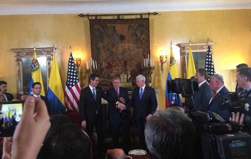 Pence con Guaidó en Bogotá
