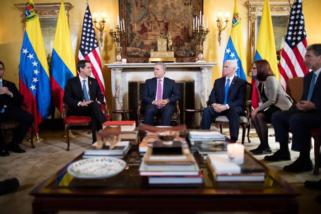 Pence con Guaidó y Duque en Bogotá