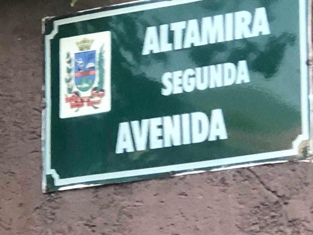Calle rota en Altamira