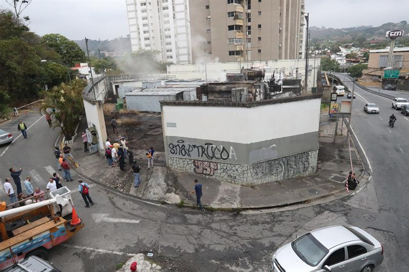 subestacion terraza de club hipico, exploto (1)