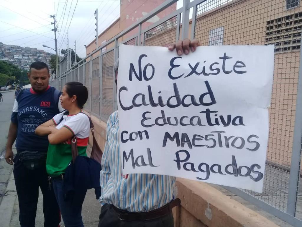 Protesta docentes Antimano 25-4-19 1