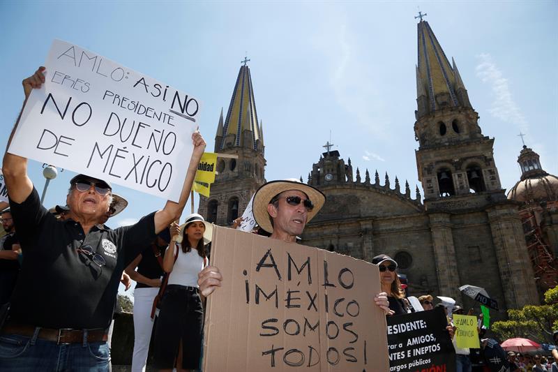 Foto: Marchan en México contra López Obrador