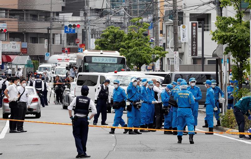 Un ataque con cuchillos a colegialas ocasiona 2 muertos y 17 heridos en Japón
