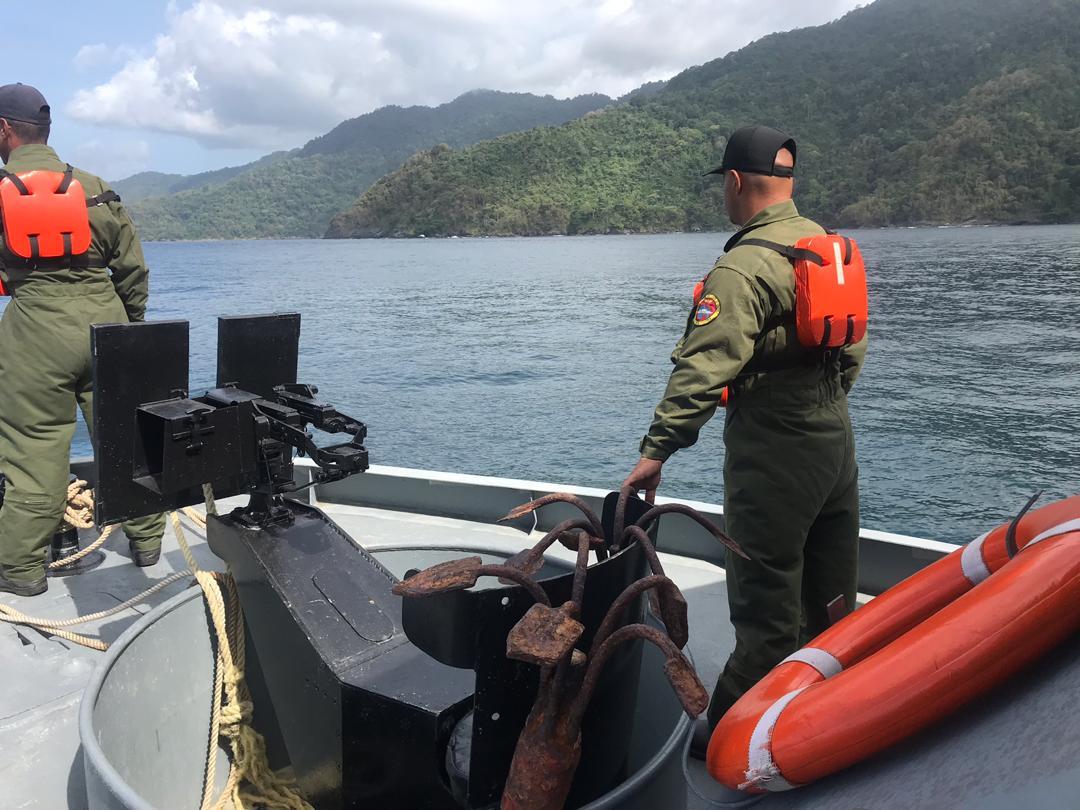 GNB busca a peñero naufragio en Guiria Sucre