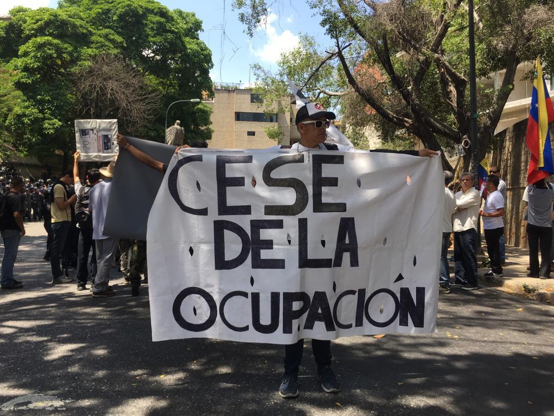 manifestantes, embajada de rusia 1