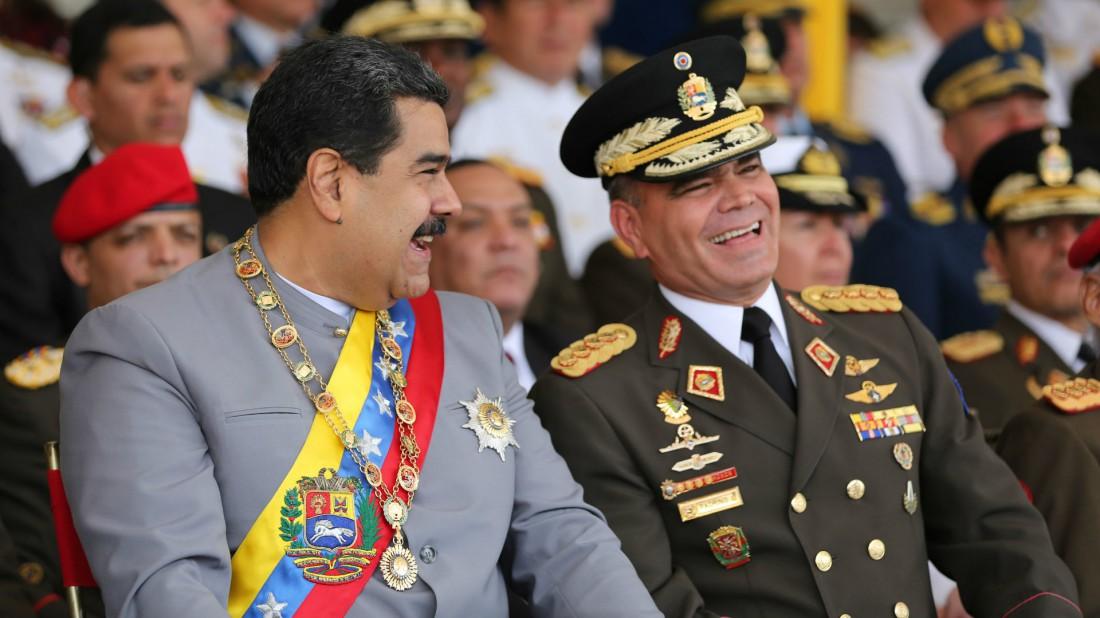 Maduro y Padrino López riendo