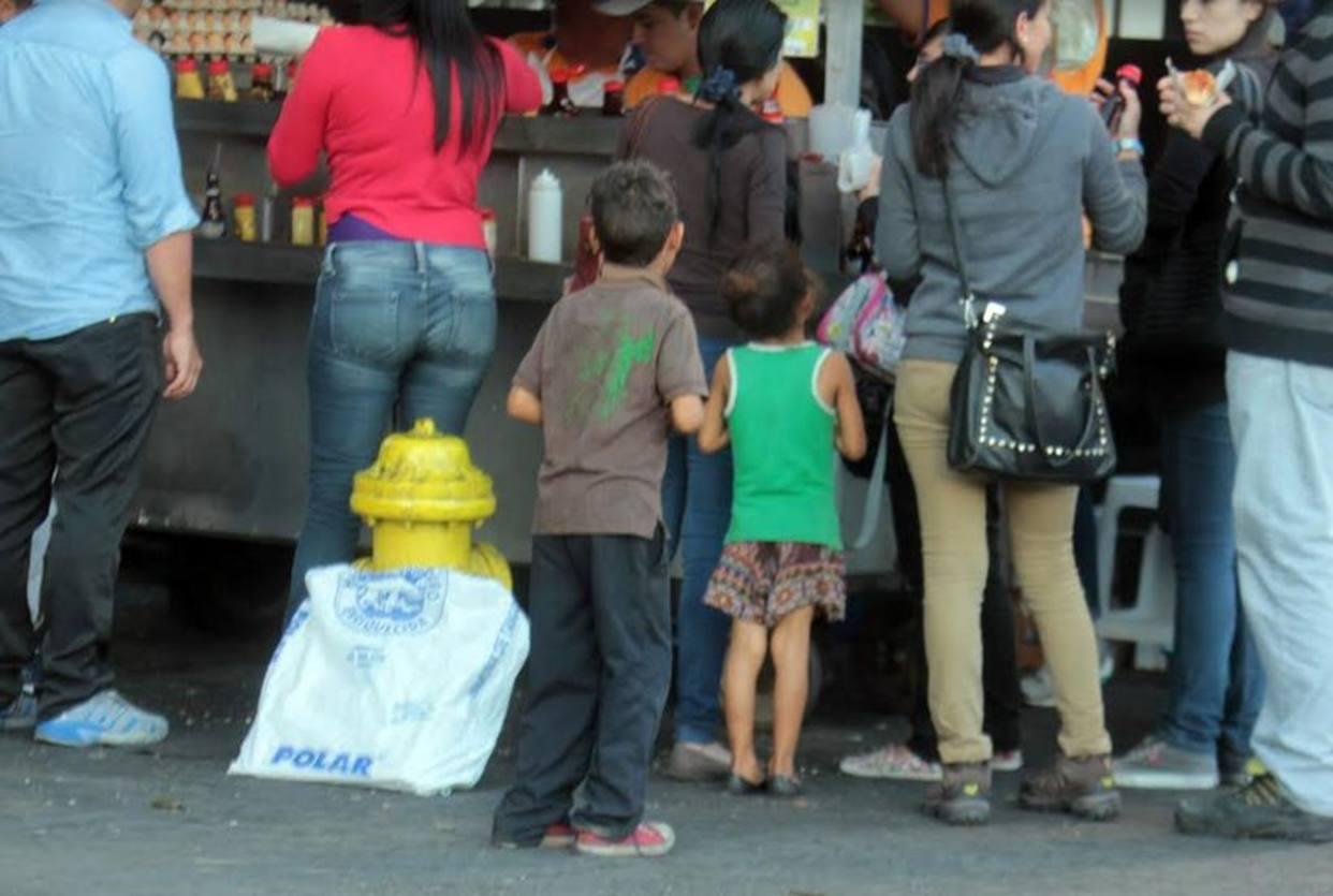 Niños venezolanos en la mendicidad