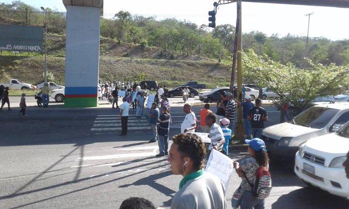 Intercomunal Guarenas-Guatire protesta pacientes renales 29-8-19 1