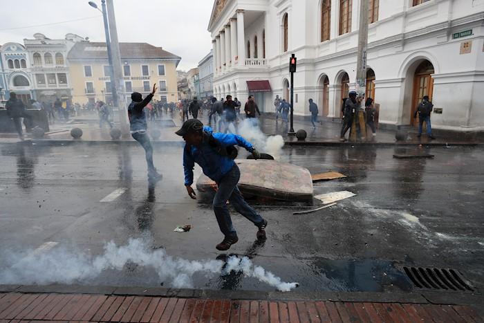 ECUADOR PROTESTAS (4)