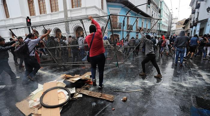 ECUADOR PROTESTAS (7)