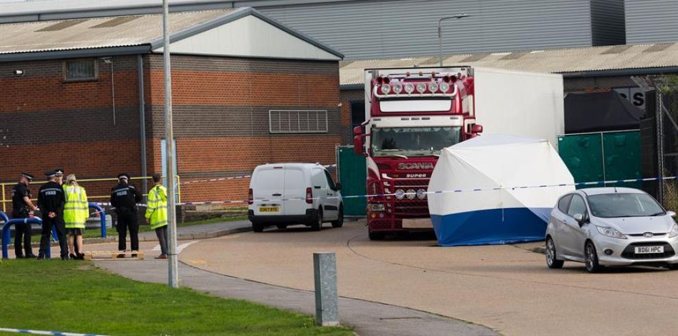 Hallan 39 cadáveres en un camión frigorífico en Inglaterra - Essex