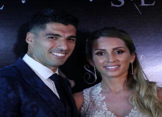 Luis Suárez y esposa